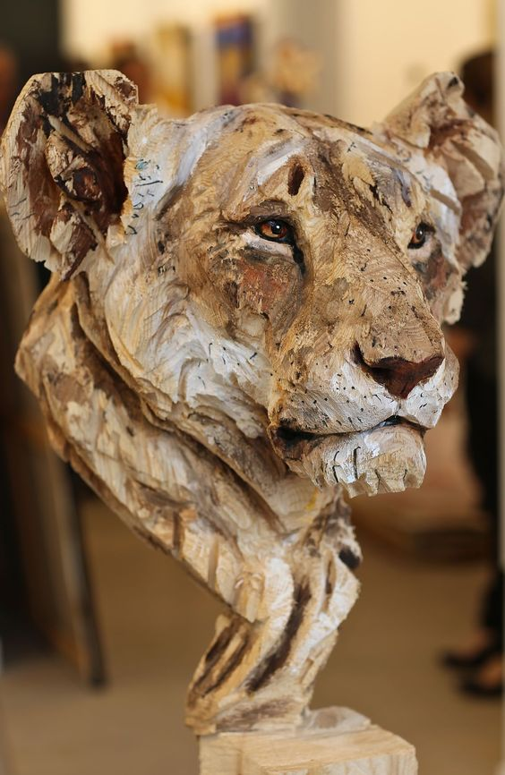 lion-wood-art