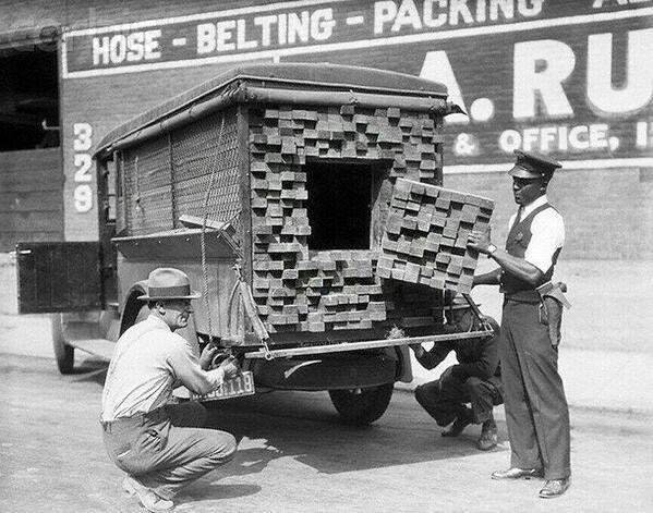 Alcohol smuggling lumber Truck, 1926. - deathakissaway - http://bit.ly/2hwbPRn