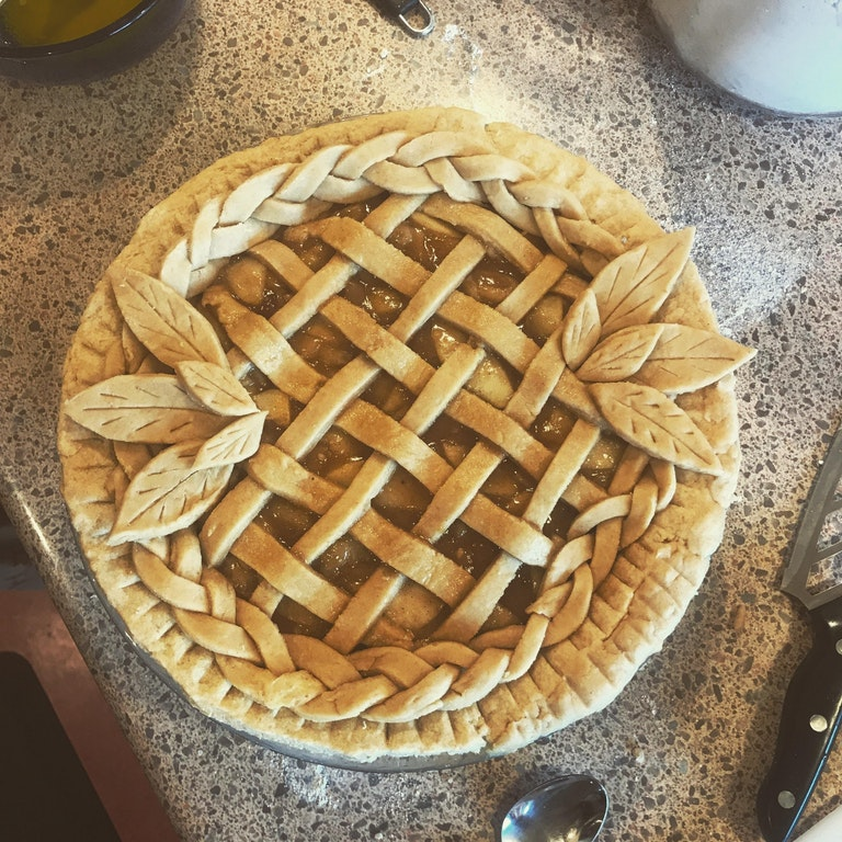 HOMEMADE apple pie, with lattice and extra details - GroovyJew - http://bit.ly/2Bd3Mgz
