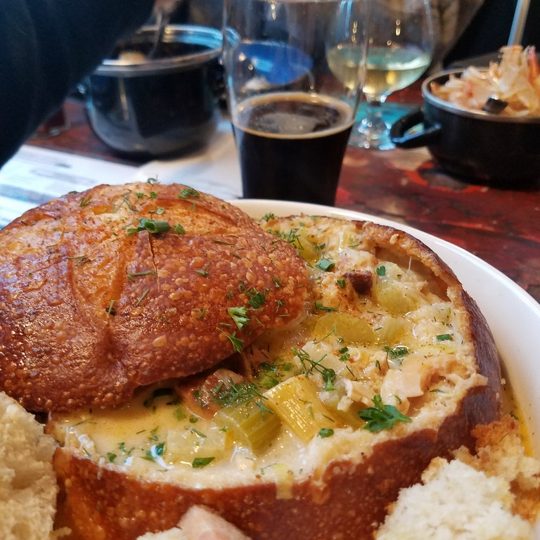 New England Clam Chowder in a bread bowl. - jtmst - http://bit.ly/2n5QWyp