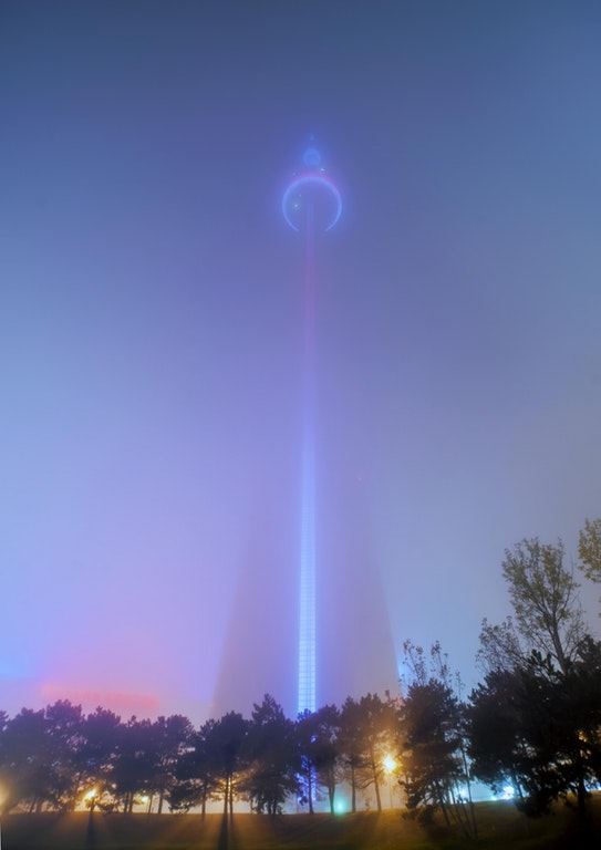 Toronto CN Tower in fog - es136 - http://bit.ly/2nRPjVg