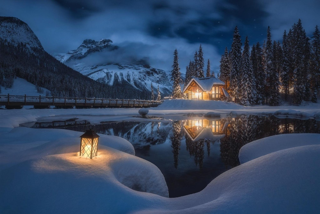 Emerald Lake Lodge on a calm winter night - golden_an - bit.ly2ogqI9K