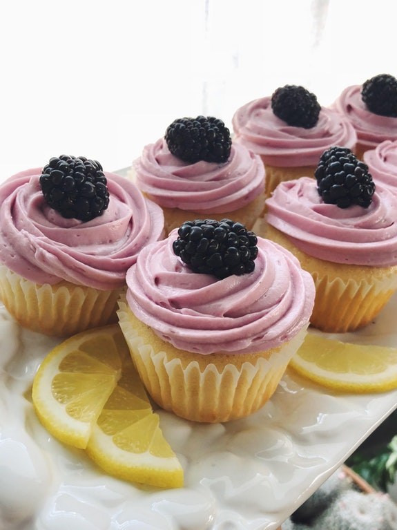 Lemon cupcakes with blackberry cream cheese frosting - anutaaa - https-::bit.ly:2HQo189