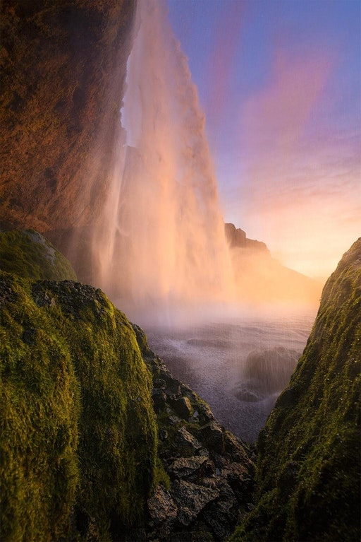 Seljalandsfoss, Iceland - william_patino - bit.ly2GMmjmR