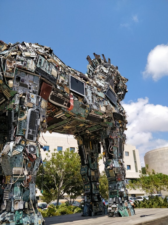 Trojan Horse made entirely of computer parts - FibrousMetal - MRS2007 - bit.ly2IHs8GG
