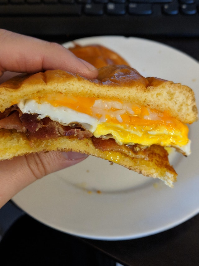 Bacon cheddar and egg on a brioche bun - Bursauce - bit.ly2xB54F4