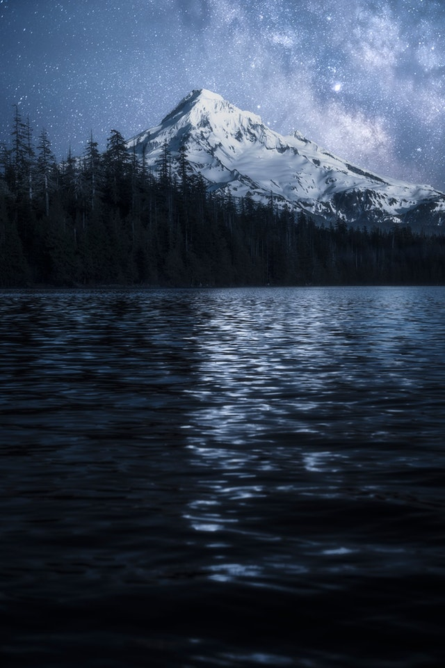 Late nights viewing the stars and mount hood at Lost lake - Awayiflew - bit.ly2Ja8eVO