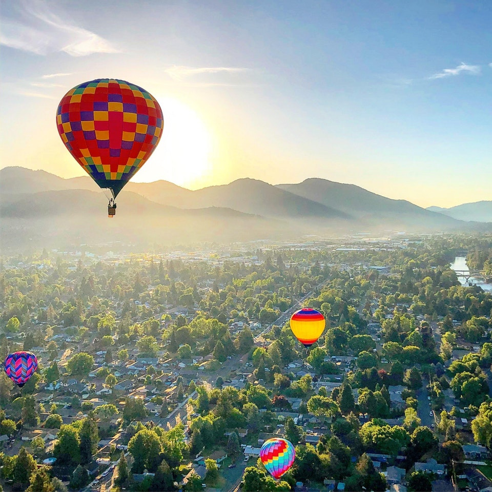 This morning I went to watch the balloons take off, but then got invited to go for a ride. What a way to start the day! - BradleyPutters - bit.ly2sF5Gnk