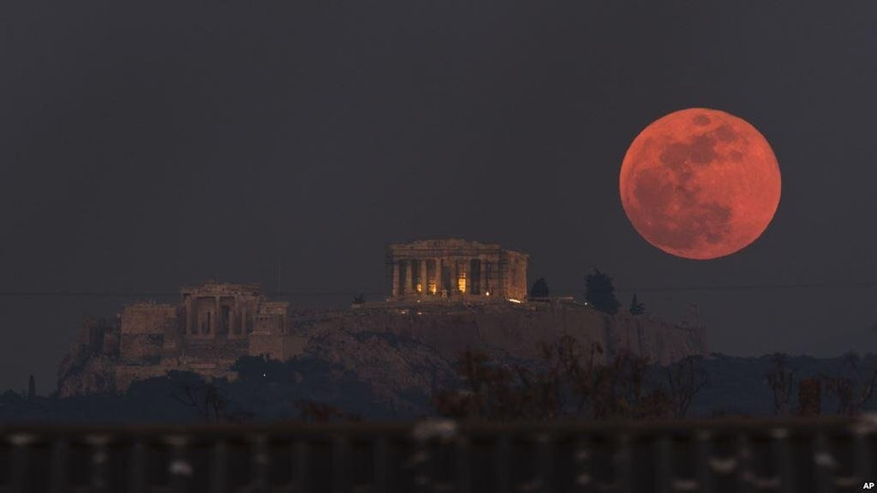 Today we assisted to the longest eclipse of the century, here is a photo of the Bloody Moon! - YahyaJ - bit.ly2LBqwk0