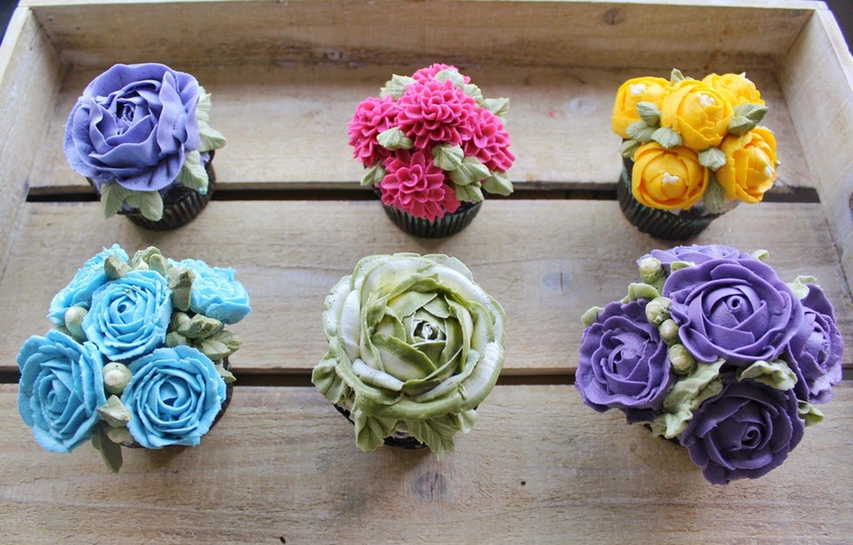 Buttercream flower cupcakes - dashberlins - bit.ly2M050Wt