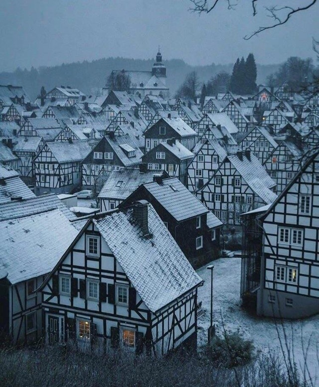 Snowy rooftops in Germany - PastyMale - bit.ly2vn5Xh9