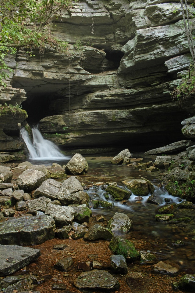 Arkansas has hidden gems. Blanchard Springs, AR - bluejonquil - bit.ly2oTUUs3