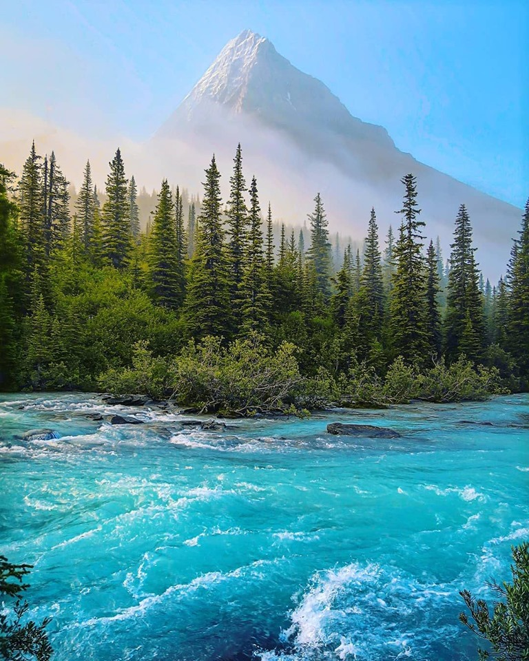 Mount Robson, the highest point in the gorgeous Canadian Rockies. Looks like the perfect place for an adventure right