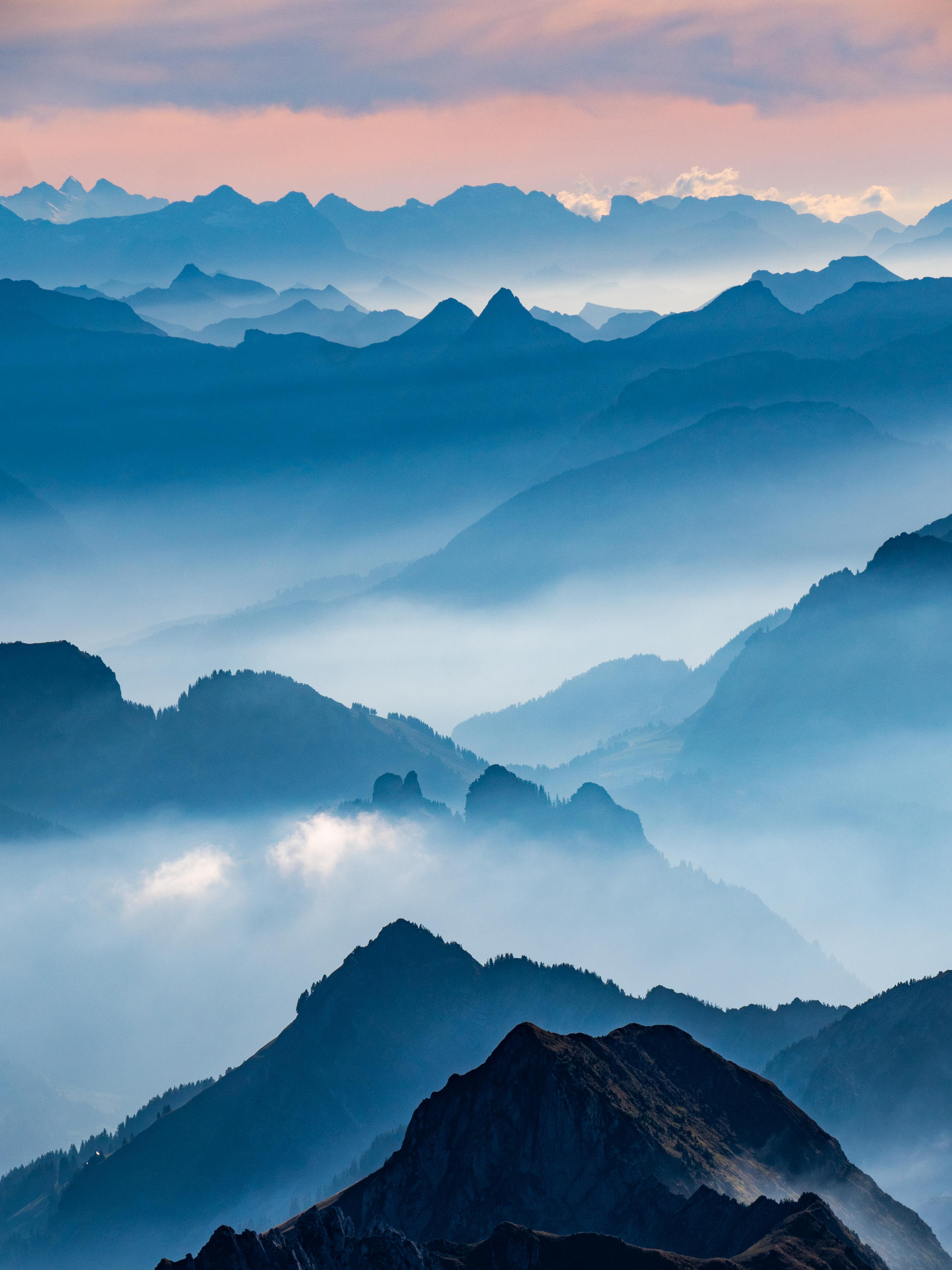 The way this haze rises during a sunset in the Swiss alps